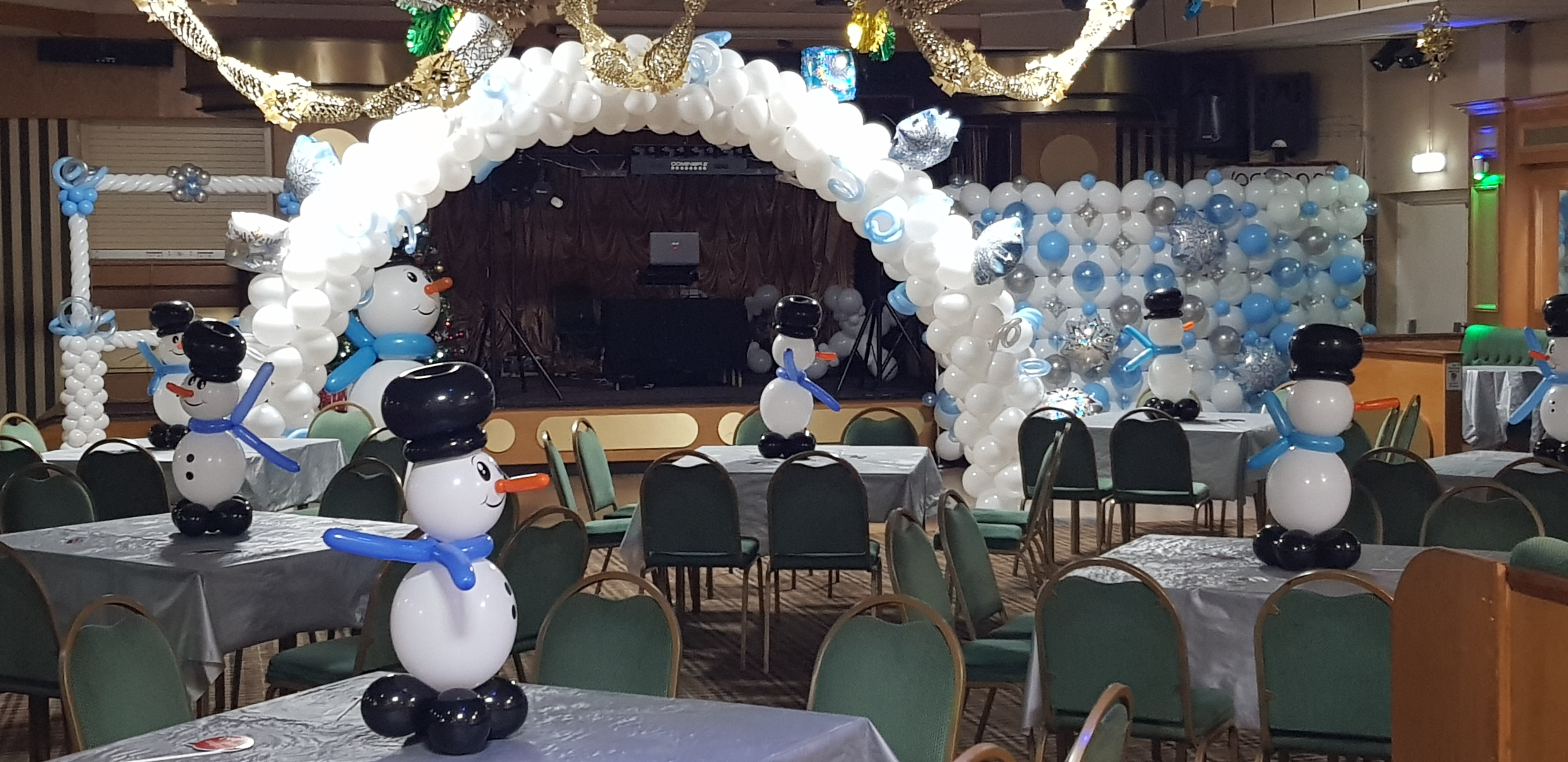 Winter Wonderland room decor available from Cardiff Balloons