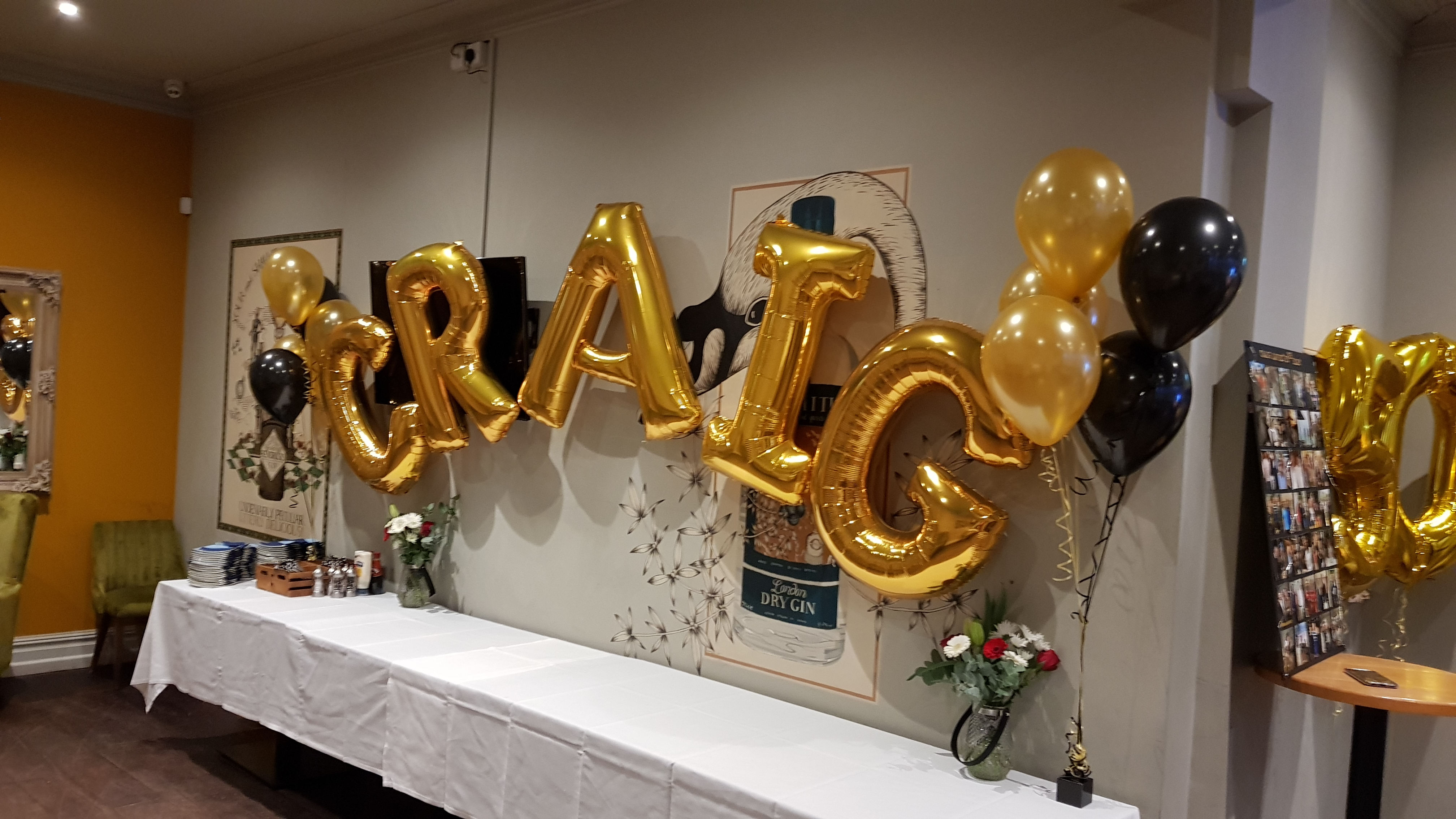 Giant letter arch available from Cardiff Balloons