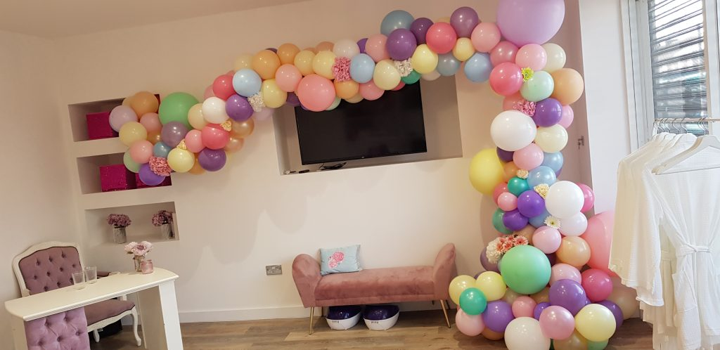 Organic half arch available from Cardiff Balloons
