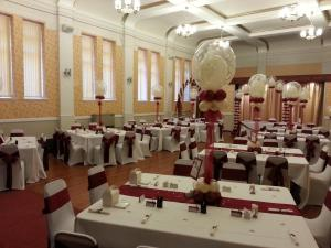 The Butterfly Effect in Burgundy and Ivory By Cardiff Balloons