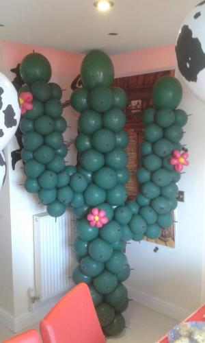Ouch. This is a prickly one. Its a Cactus out of Balloons !! By #cardiffballoons