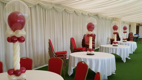 Twisted Table Centres At Cottrell Park Golf Club. #cardiffballoons