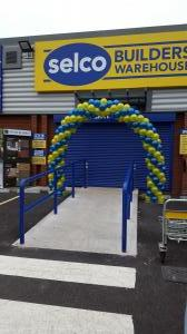 Solid Balloon Arch For Selco Builders Warehouse